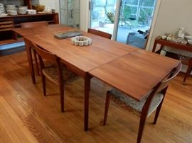 Vejle Stole Mobelfabrik teak dining room table w/2 extensions & 4 chairs.