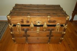 Very nice wood trunk