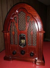 Vintage looking modern radio