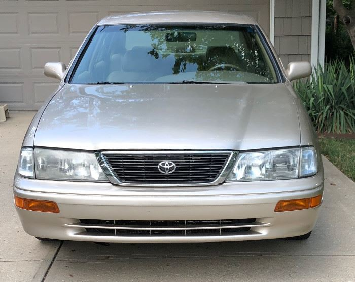 Toyota Avalon, 4D, 1997, 144,250 mi (Sealed Bid Auction)