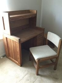 Solid Wood Desk w/ Shelf, Chair, Side Table       http://www.ctonlineauctions.com/detail.asp?id=737649