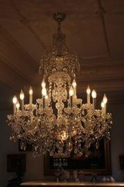 """Shoenbeck Crystal Chandelier: 18 Lights, 36"""""""
