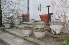 Nice Assortment of Garden Pots