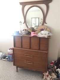 Retro 1960s dresser (set of 2).