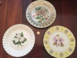 3 DECORATIVE DISHES