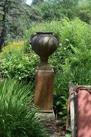 Outdoor urn
