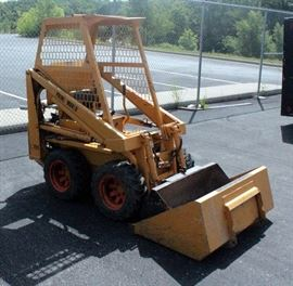 """Prime Mover L700 Skid Steer Loader SN# 11067, With 41"""" and 47"""" Bucket, EH72-2 Robin Subaru V-Twin Engine"""