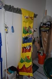 Hanging space saver toy holder