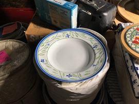 Dansk DAN99 (green-blue leaf pattern) dinnerware