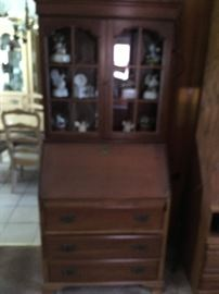 This is a beautiful secretary.  I will try to upgrade picture to eliminate the blur -- nice piece