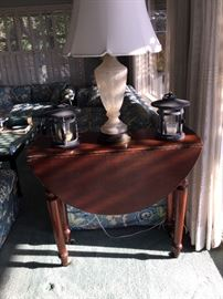 Gate leg drop leaf mahogany side table $35.00