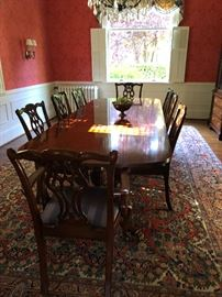 Lexington Dining Table and 6 chairs plus gorgeous oriental rug for sale antique and in great condition