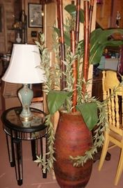 LARGE DECOR URN