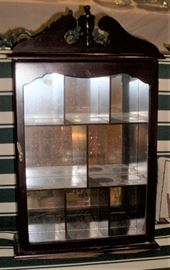VINTAGE DISPLAY CASE