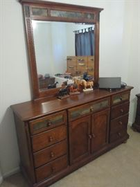 matching dresser and night stand set