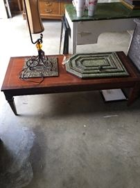 Coffee table, lamp