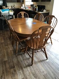 Nice farmhouse style oak table  with 6 chairs