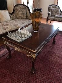 VICTORIAN STYLE COFFEE TABLE