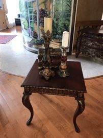 WOODEN CURVED LEG SIDE TABLE