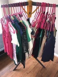 WOMENS CLOTHING-SIZE SMALL TO MEDIUM