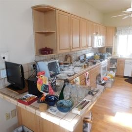 kitchen items glassware and dinnerware