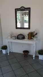 Mirror and shabby chic sofa/entry table
