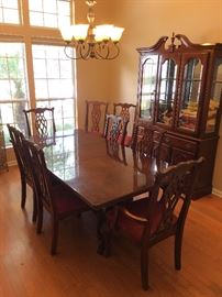 Chippendale Dining table with 8 chairs
