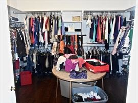 LOTS OF LADY'S BOUTIQUE CLOTHES