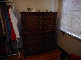 Thomasville 6 drawer chest