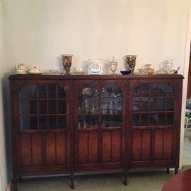 Appx 7' curio cabinet