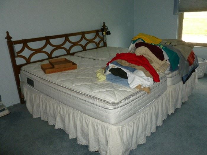 2 Twin SLEEP NUMBER BEDS...Both Work Great!