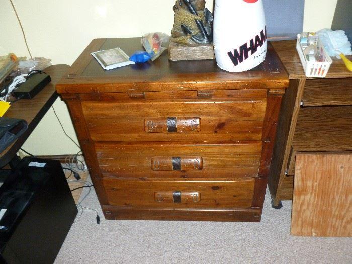 3-Drawer chest w/leather trim