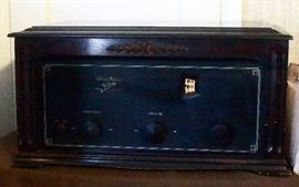 Antique Music Master  Tube Radio