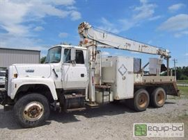 1994 Ford LT8000 , Crane Truck