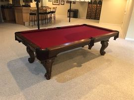 BEAUTIFUL POOL TABLE IN PERFECT CONDITION (WE HAVE A MOVER AVAILABLE)