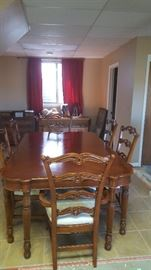 pulaski dining room table 6 chairs and 1 leaf