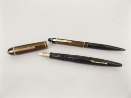 UNUSED Vintage Eversharp Skyline 14k Fountain Pen and Pencil Set