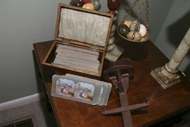 STEREOSCOPE WITH 200 CARDS IN WOOD BOX