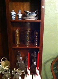 Lamps, blue & white, pitcher & glasses set
