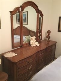 Victorian provincial dresser w/mirror