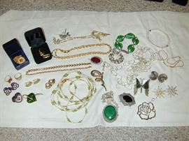 Silver & Gold Jewelry - tons more to sort through!