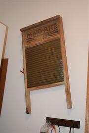 Vintage Maid-Rite washboard