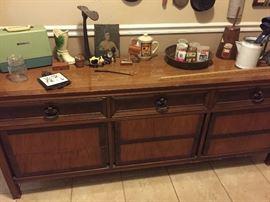 Antique smalls, dresser/buffet