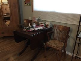Drop leaf table (project piece), 2 nice chairs that need the bottoms redone