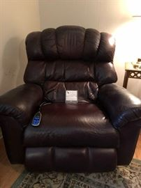 Lazy Boy Power Recliner - like new
