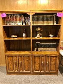 SET OF 2 BOOKCASES WITH CABINETS