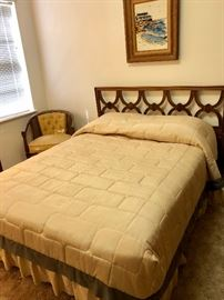 FULL-SIZE HEADBOARD WITH BEDFRAME & MATTRESSES