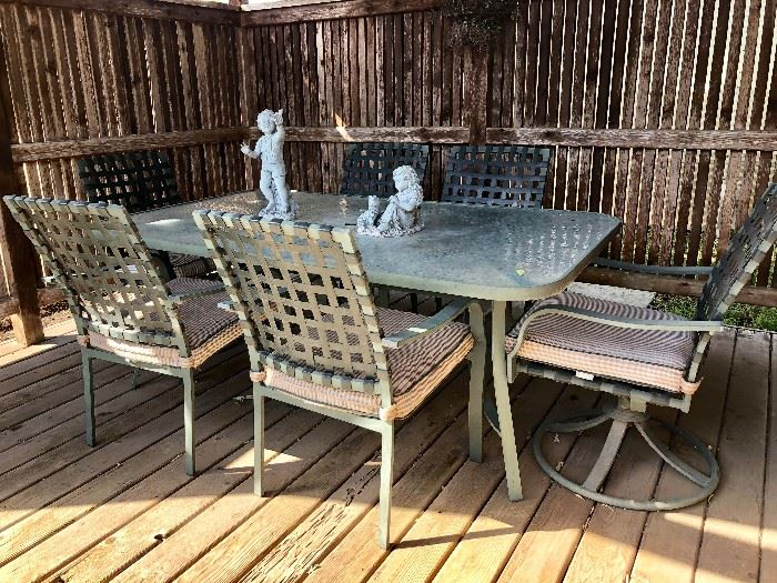 OUTDOOR PATIO TABLE & 6 CHAIRS