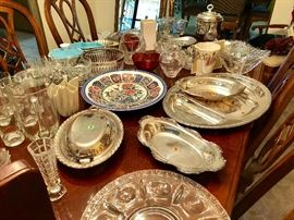 SILVER PLATTERS & TRAYS