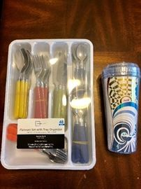 CASUAL DINING FLATWARE WITH TRAY ORGANIZER.  INSULATED BEVERAGE TUMBLER WITH LID (SEALED)